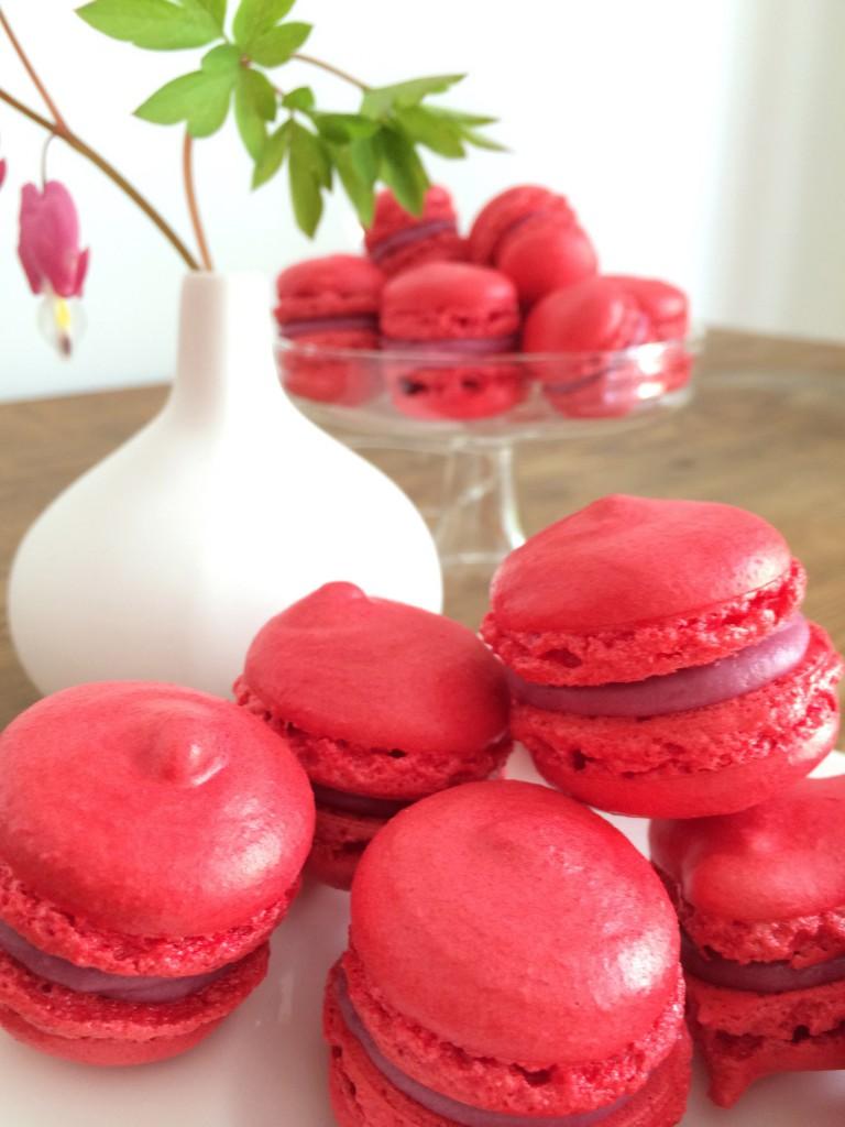 Himbeer-Macarons zum Muttertag